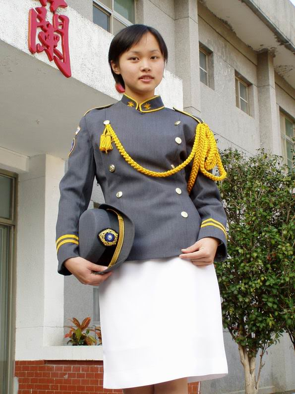 Taiwan-Female-Soldier.jpg