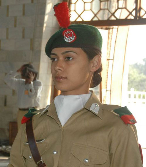 Pakistani Female Soldiers