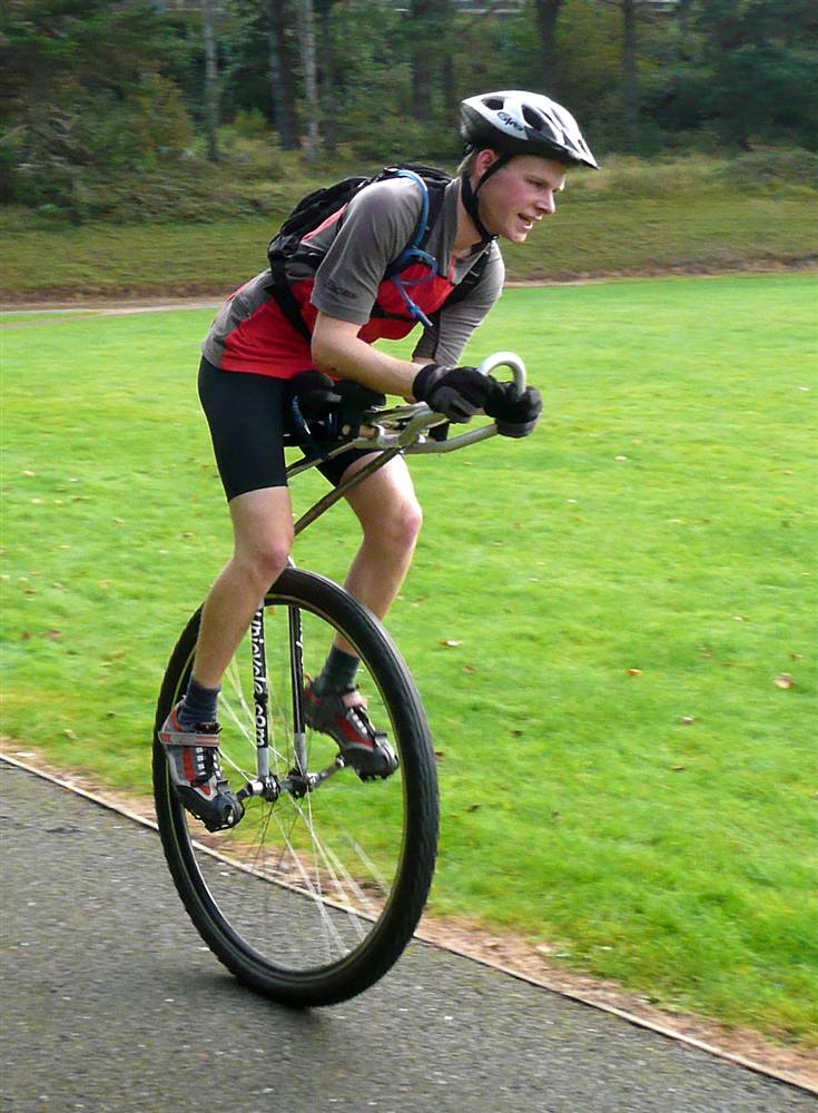 Longest-distance-on-a-unicycle-in-24-hours.jpg