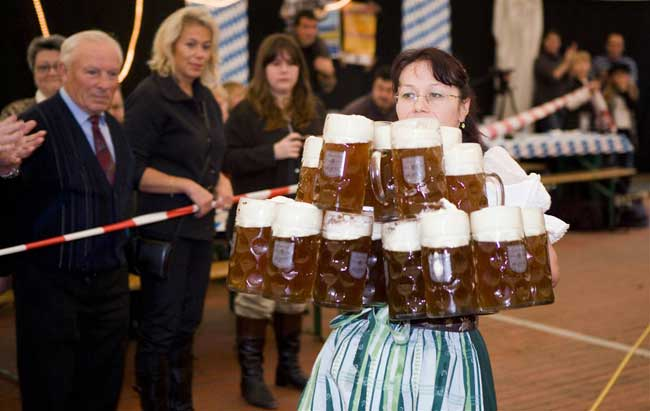 Most-beer-steins-carried-over-40-meters-female.jpg