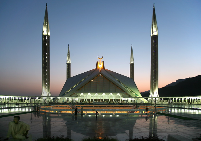 top mosques in the world List of mosques (redirected from (located on the top floor) it is the largest mosque in pakistan and south asia and one of the largest mosques in the world.