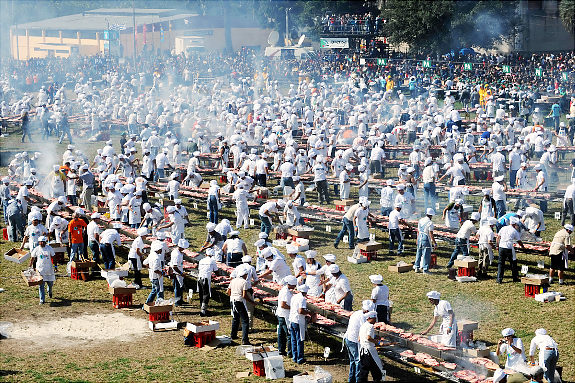 The World' s Biggest Barbecue
