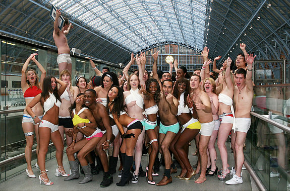 the largest gathering of people in their underpants