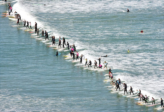 Most Surfers on one wave