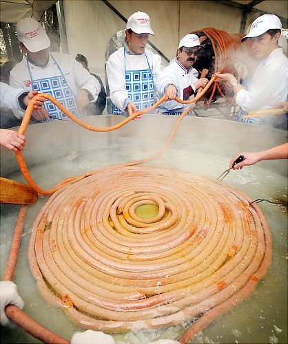 the world's longest sausage