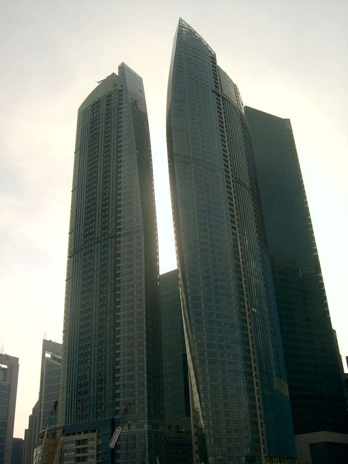 Manikandan civil the top10 tallest building 39 s in - Singapore tallest building swimming pool ...