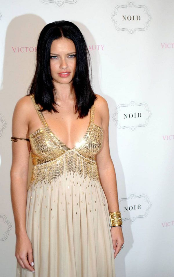 10 Stunning Photos Of Adriana Lima