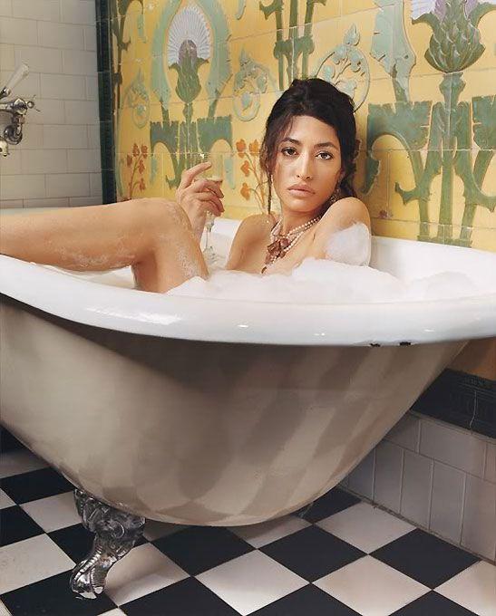 Wafah Dufour Bathing Photo