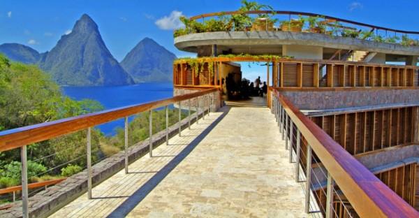 http://thewondrous.com/wp-content/uploads/2011/07/Jade-Mountain-02-600x312.jpg