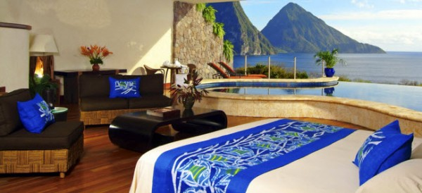 http://thewondrous.com/wp-content/uploads/2011/07/Jade-Mountain-08-600x274.jpg