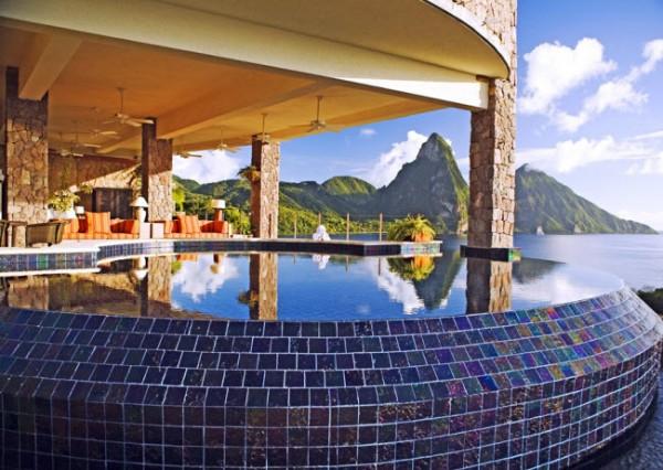 http://thewondrous.com/wp-content/uploads/2011/07/Jade-Mountain-11-600x426.jpg