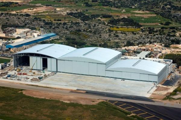 http://thewondrous.com/wp-content/uploads/2011/09/Lufthansa-Technik-Malta-Trple-Archspan-Hanger-600x400.jpg