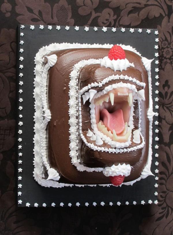 Το κέικ Bite Back Με μεγάλο στόμα