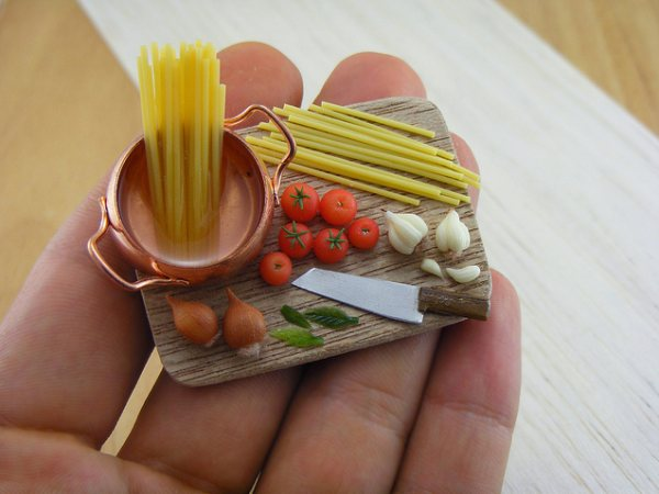 Most amazing miniature food artworks by shay aaron for Art de cuisine plates