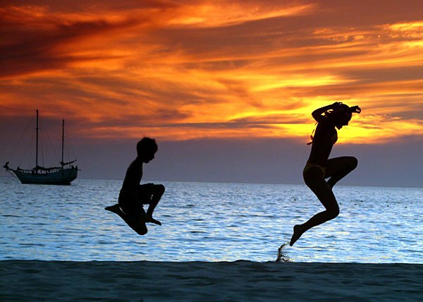 silhouette photography of Sea Expressions