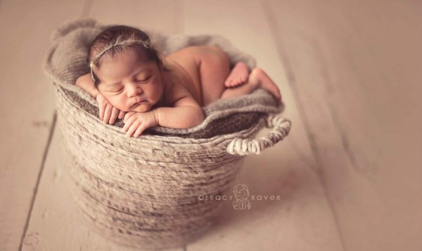 Sleeping Baby in the Photos of Tracy Raver