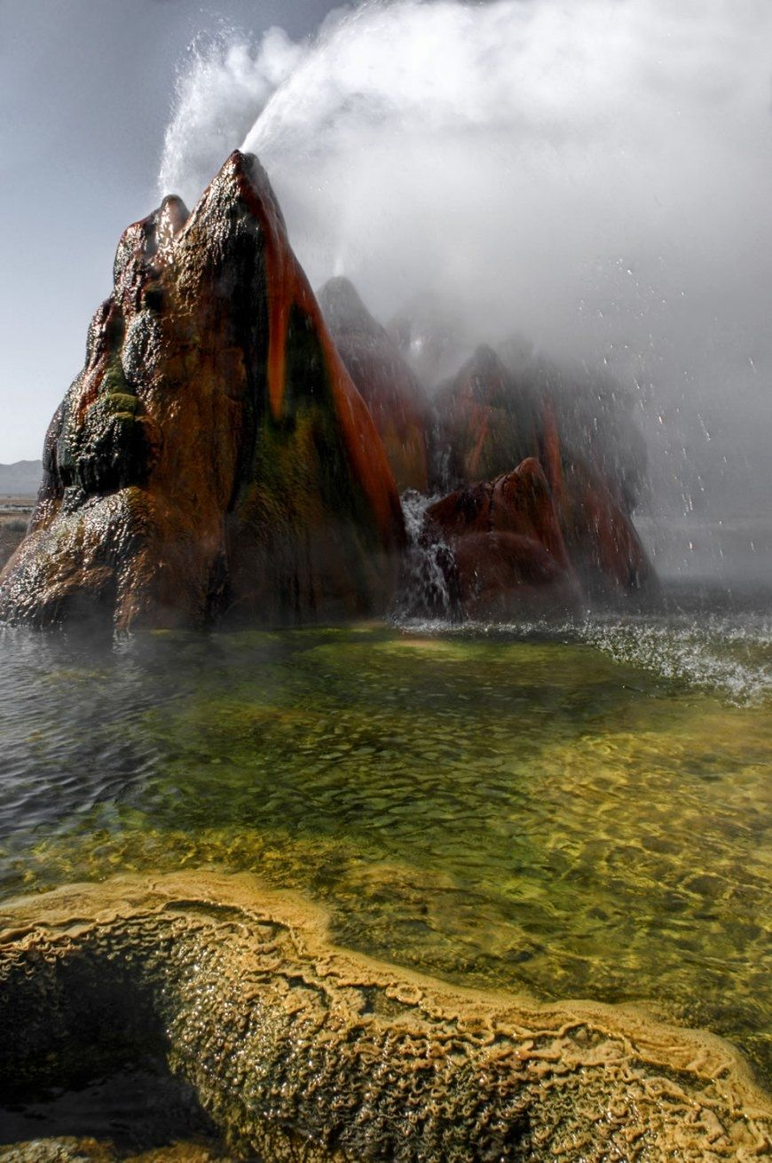 Fly Geyser in Hualapai Valley