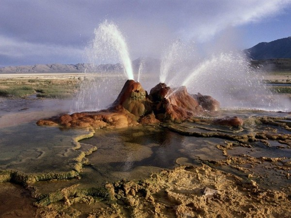 Nevada's Fly Geyser Pictures