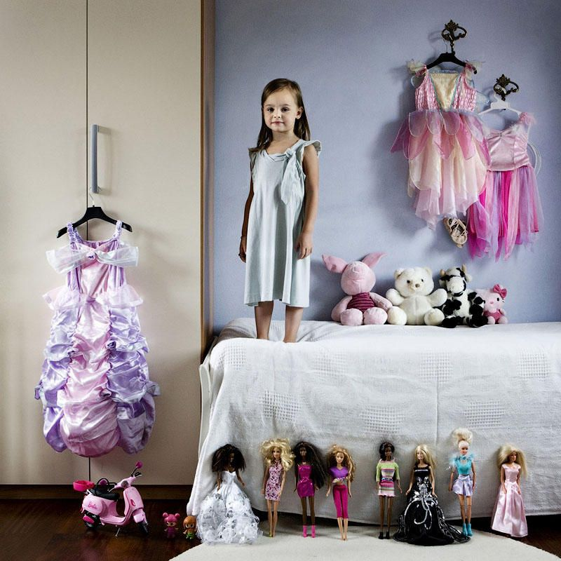 Italian Photographer Compiles Photos of Children from Around the World