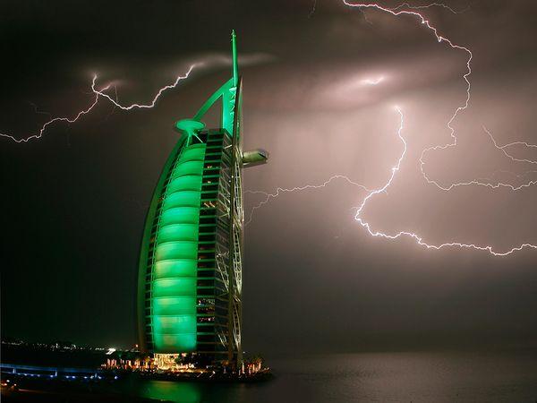 Lightning, Dubai