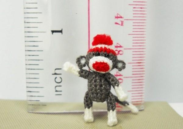 Tiny toy by Su Ami