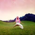 15 Simply Amazing Levitation Photographs