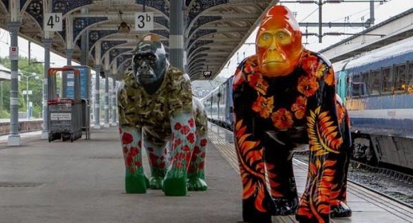 Gorilla Sculptures (6)