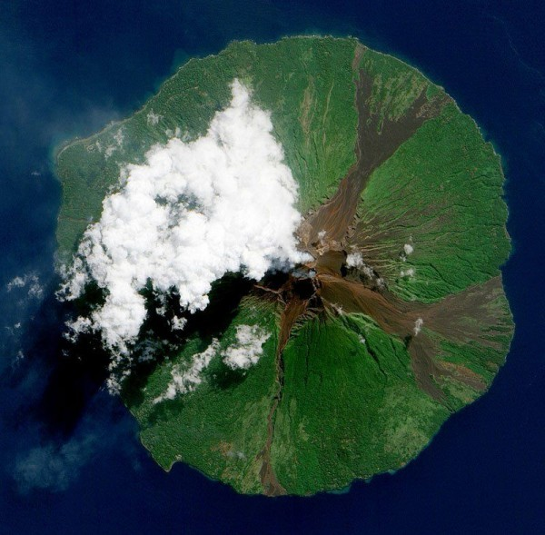 Manam volcano island, Papua New Guinea