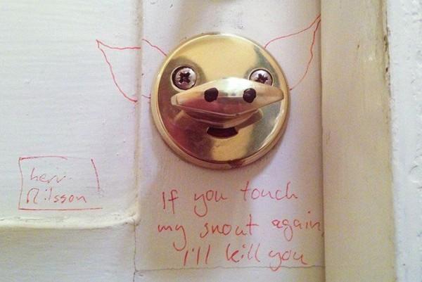 Cruel Street Art