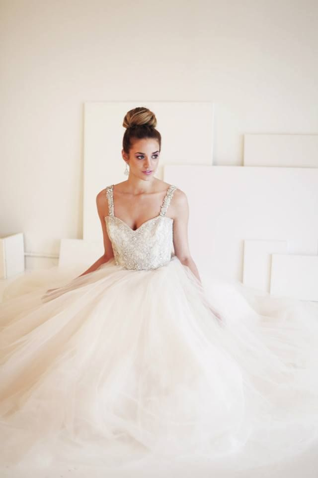 Hairstyle and Makeup for Brides