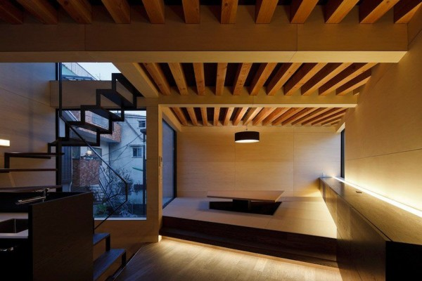 Apollo Architects Thin Vertical Alley House