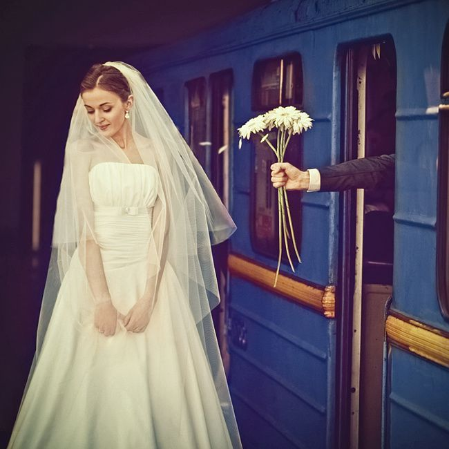 Romance in the Pictures of Sanya Khomenko