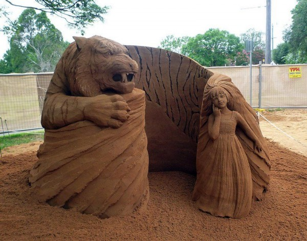 Incredible Sand Sculptures by Susanne Ruseler