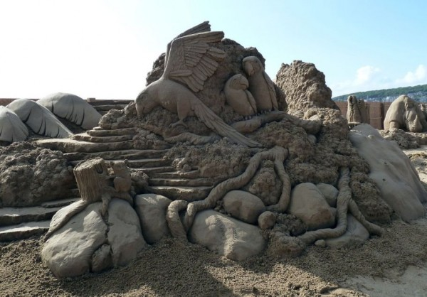 Amazing Sand Sculptures by Susanne Ruseler