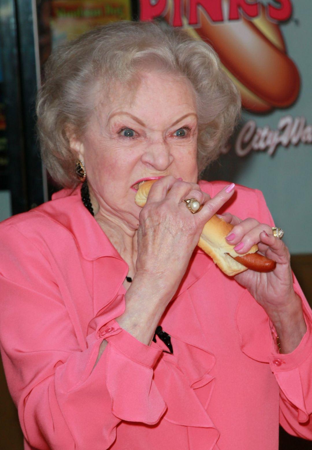 Betty White and hotdog