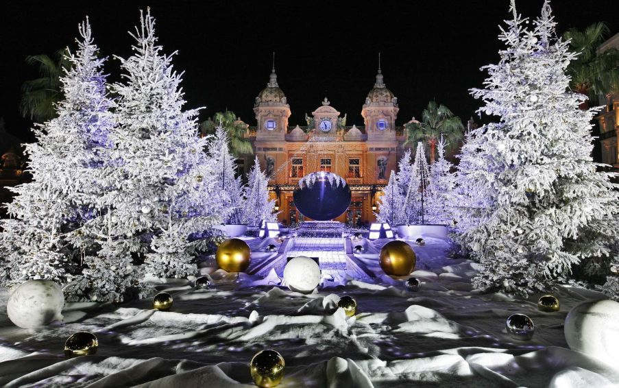 Monte Carlo Casino and its Christmas decorations in Monaco.
