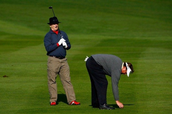 While Tim Herron preparing to strike, Bill Murray is also thinking about it