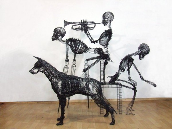 Stunning Wire Sculptures by Yong Won Song