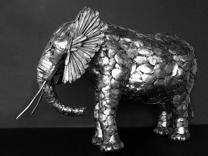 Incredible Sculptures made out of cutlery