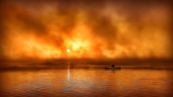 Foggy sunrise in Lake Isle