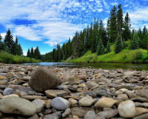 Lovett River on the rocks