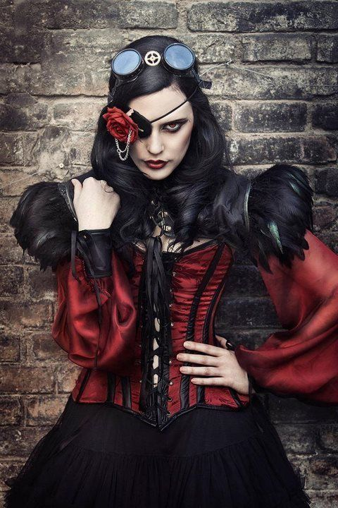 A Mixture of Gothic, Steampunk and Fantasy in the Works of Rebecca Shed is Simply Mesmerizing