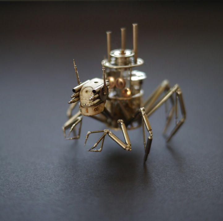 Jeweller Turns Creepy Crawlies into Works of Art