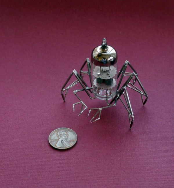 Jeweller Turns Creepy Crawlies into Works of Art