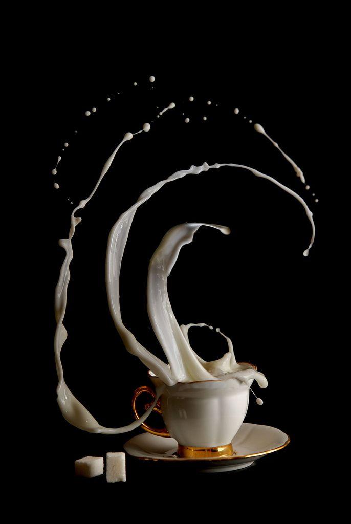 "Spectacular Photo Series ""Anti-Gravity Coffee Time"""