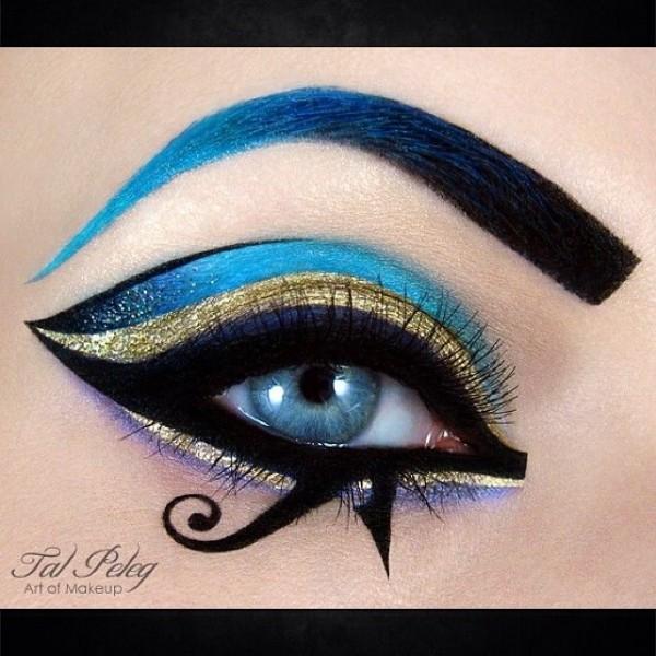 Mind Blowing Miniature Works of Art Using Eye Makeup