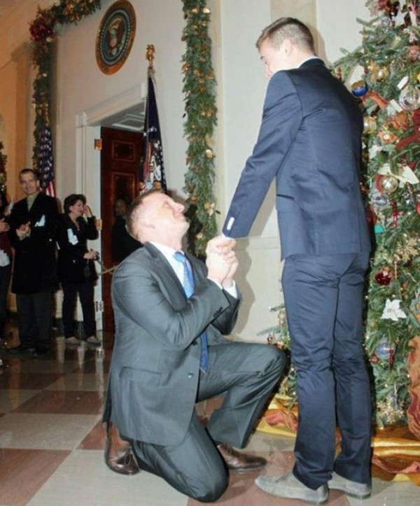he marine who proposed at the White House 1