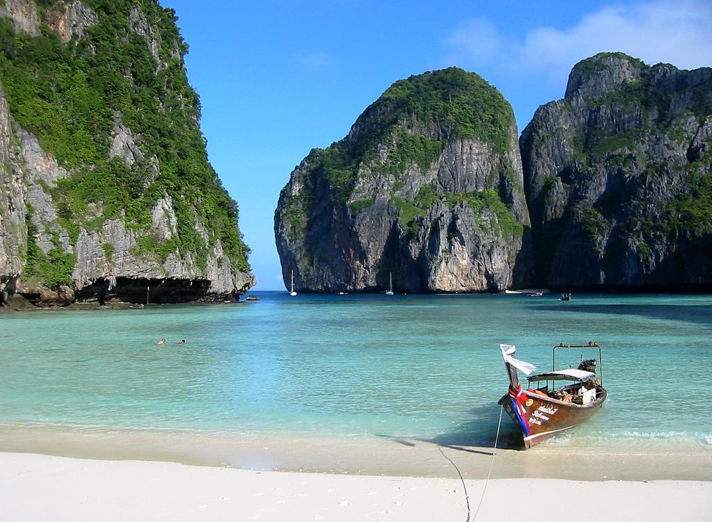 Maya Bay, Ko Phi Phi, Thailand-01