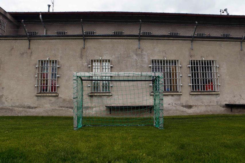 Prison Kettling, Switzerland. May 30, 2014