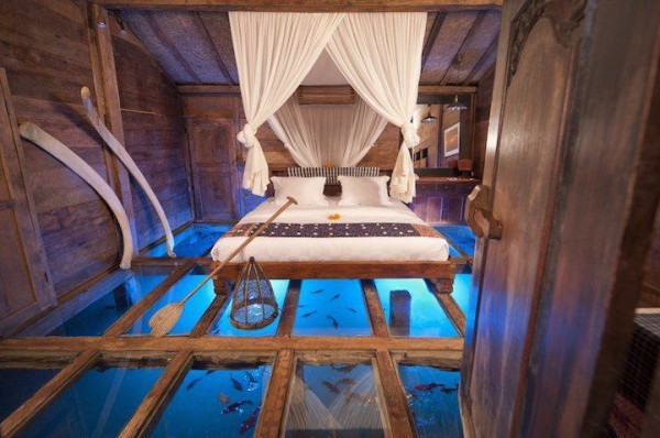 Room's Glass Floor